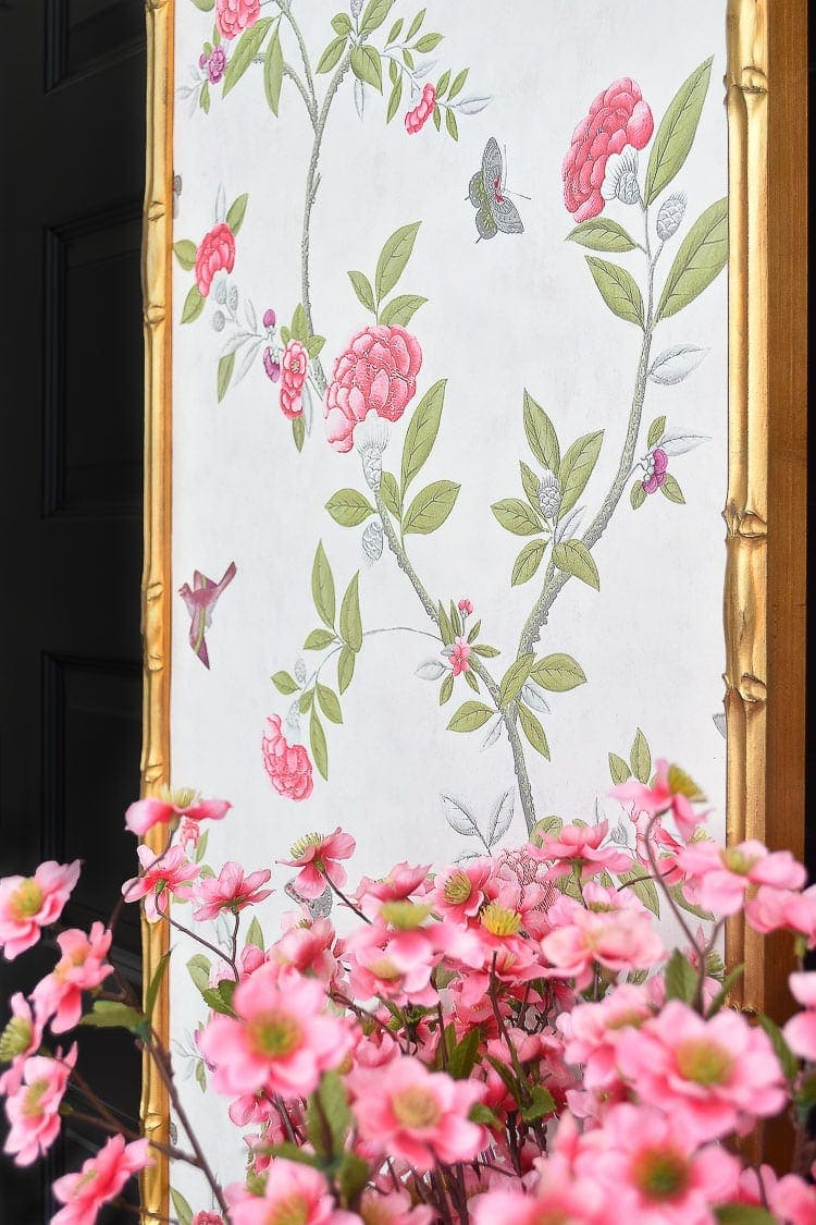 Chinoiserie panels in an office