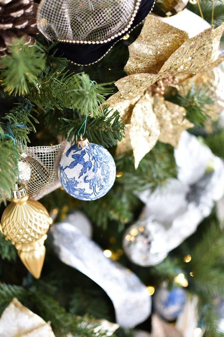 Christmas tree chinoiserie