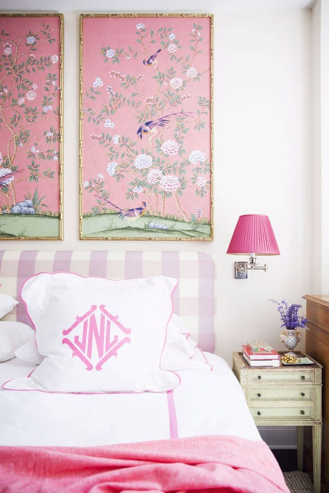Chinoiserie panels in a bedroom