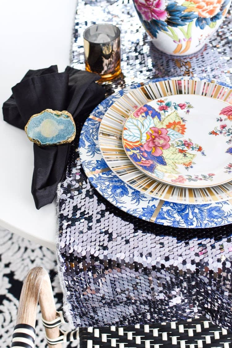 Chinoiserie tablescape and dining room decor ideas