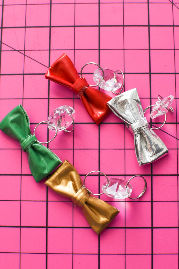 DIY Duck Tape Wine Charms Mini Bows