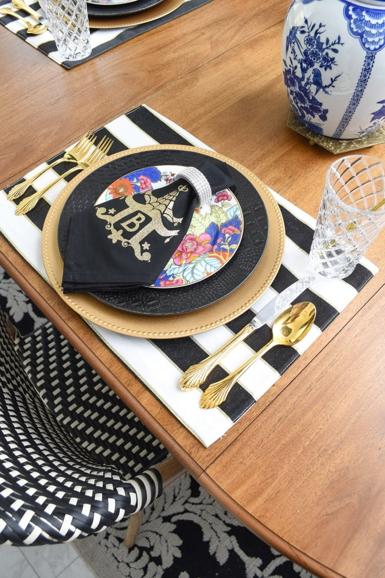 DIY chinoiserie monogrammed napkin tutorial using a cricut